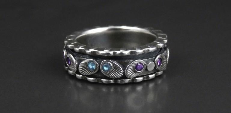 twinkles_Spinner Ring_joy Funnell_2b