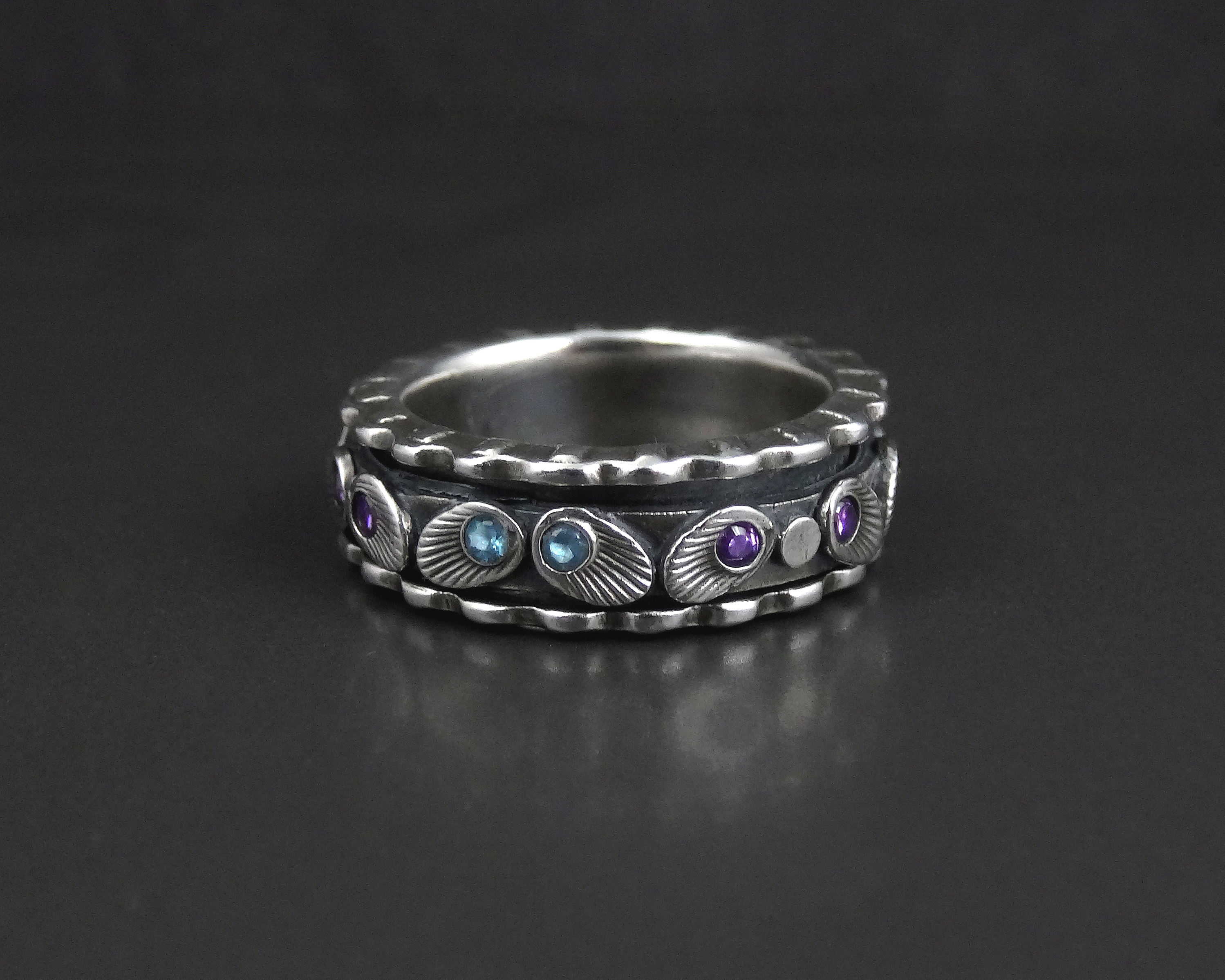 twinkles_Spinner Ring_joy Funnell_2b